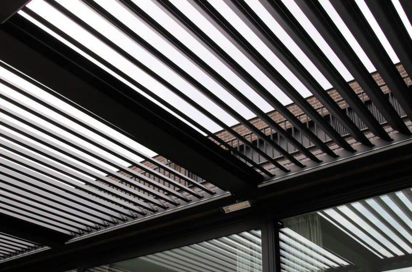 Pergola Ombra - konstrukcja wsparta o fasadę budynku